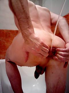 Gay Pissing Pics
